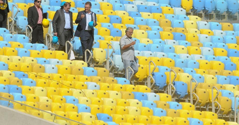 Representantes da Fifa estão no Brasil para avaliar estádios que receberão a Copa das Confederações. Nesta quarta-feira (15/05) eles vistoriaram o Maracanã. Um dia antes o grupo esteve em Brasília