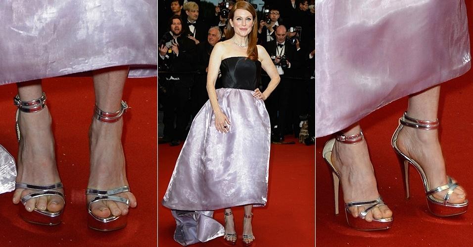 15.mai.2013 - Pés de Julianne Moore ficam apertados em sandália no tapete vermelho do Festival de Cannes