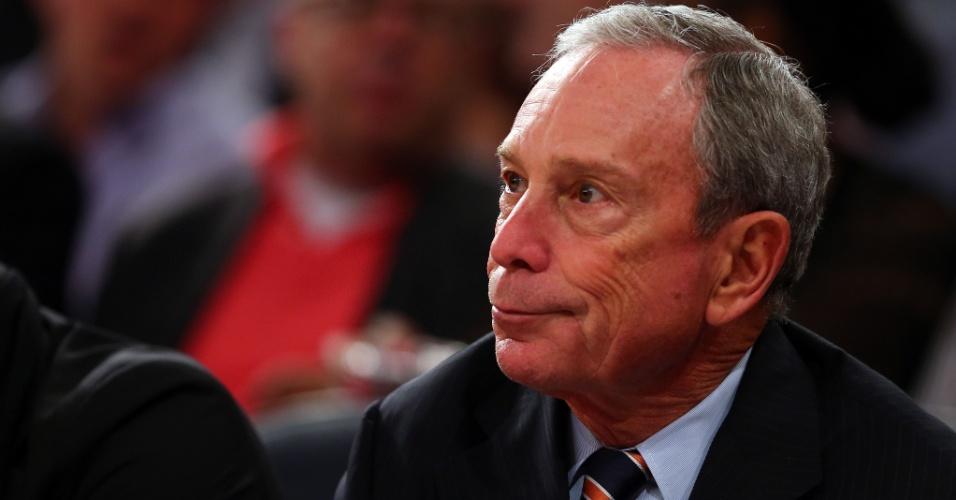 16.mai.2013 - Prefeito de Nova York Michael Bloomberg acompanha o jogo entre Knicks e Pacers no Madison Square Garden