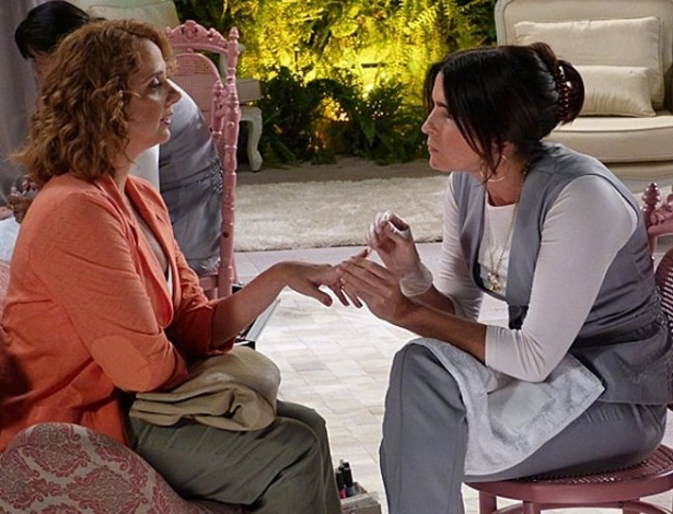 """Em """"Sangue Bom"""", Brenda quase fica careca depois de sabotagem de Rosemere no salão"""