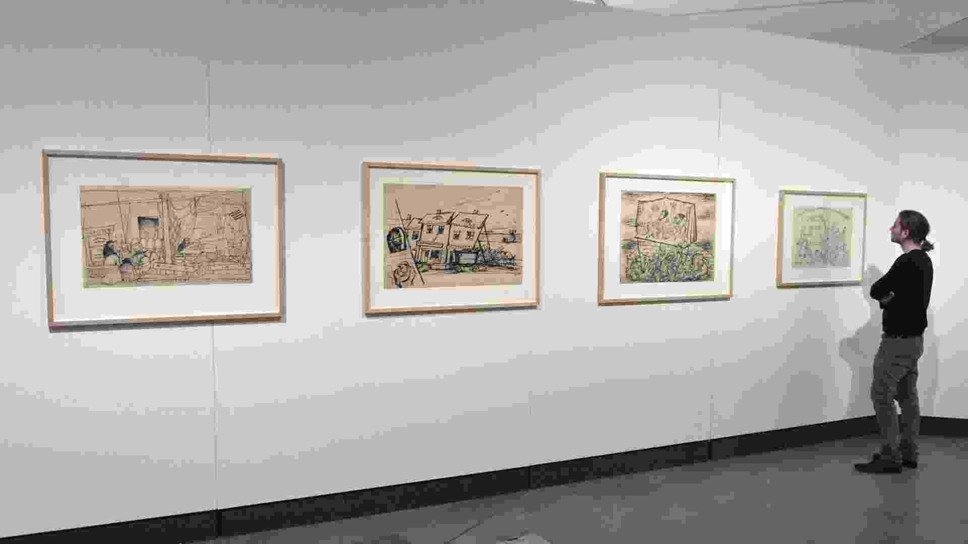 """14.mai.2013 - O Museu judeu de Berlim expõe desenhos clandestinos do artista tcheco Bedrich Fritta, deportado a Theresienstadt (1941-1944), uma viagem esmagadora neste campo-gueto criado para burlar a opinião pública sobre o destino dos judeus na Europa. A exposição """"Bedrich Fritta: desenhos do gueto de Theresienstadt"""" reúne 36 desenhos de grande formato e 25 esboços - Paul Zinken/EFE"""