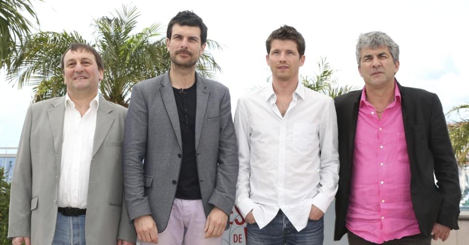 17.mai.2013 - Os atores franceses Patrick d'Assumcao, Christophe Paou e Pierre Deladonchamps, e o diretor francês Alain Guiraudie, durante a apresentação do filme