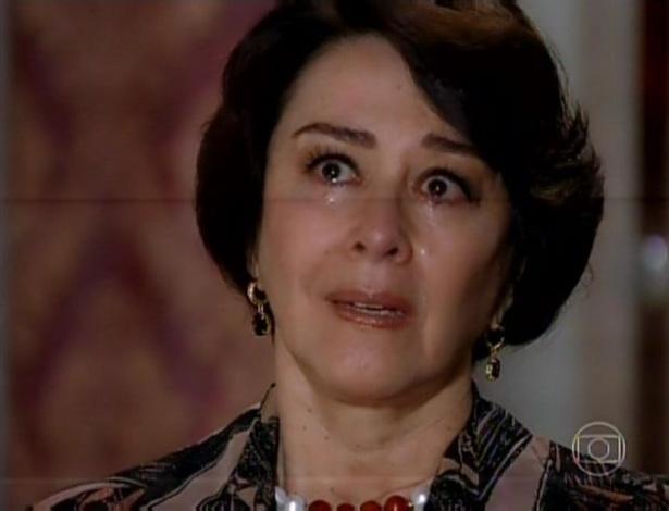 """Isaurinha diz que """"a bebida, o mar de Angra"""" fizeram ela trair Leonor com Gustavo"""