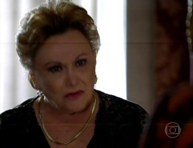Leonor se decepciona com Isaurinha