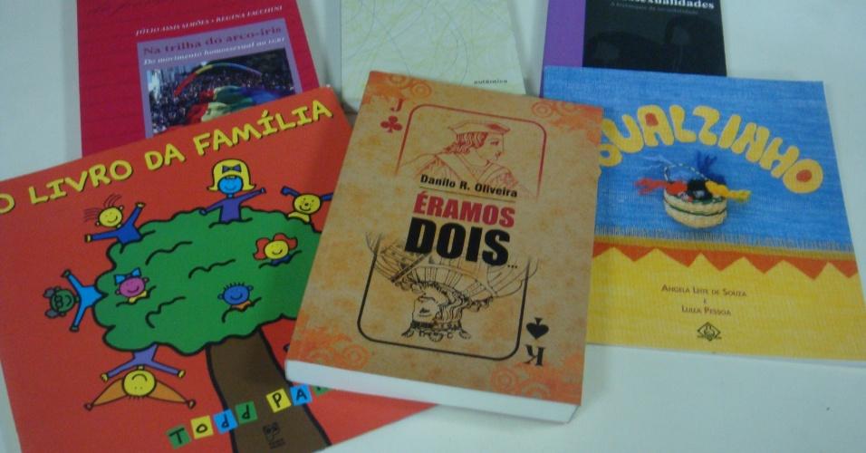 Os livros fazem parte do kit Gênese, enviado pela prefeitura de Contagem às escolas, em 2012, com o objetivo de dar subsídios aos professores para o trabalho com a temática de gênero e diversidade sexual