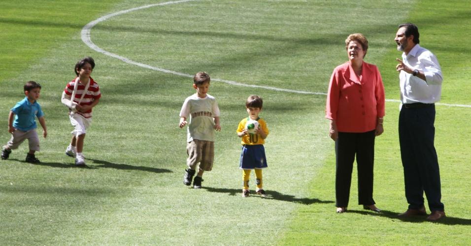 18.mai.2013 - Dilma afirmou que o Brasil fará a melhor Copa do Mundo de todos os tempos