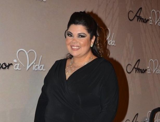 """18.mai.2013 - Fabiana Karla na festa organizada pela Globo em um restaurante de SP para promover a novela """"Amor à Vida"""""""