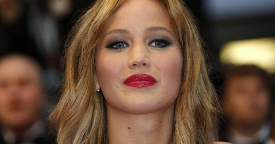 18.mai.2013 - Jennifer Lawrence posa para fotos antes da exibição do filme