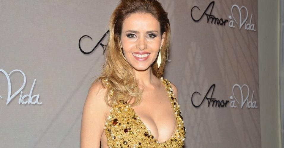"""18.mai.2013 - Leona Cavalli na festa organizada pela Globo em um restaurante de SP para promover a novela """"Amor à Vida"""""""