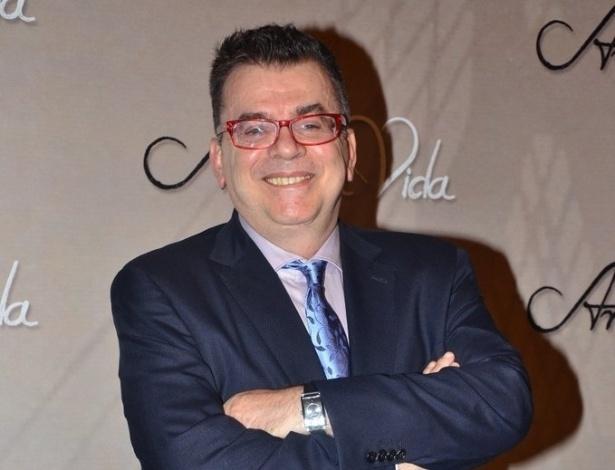 """18.mai.2013 - O autor Walcyr Carrasco na festa organizada pela Globo em um restaurante de SP para promover a novela """"Amor à Vida"""""""