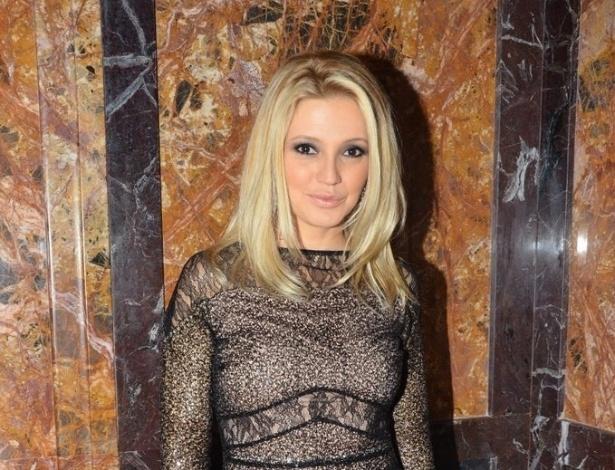 """18.mai.2013 - Patricia de Sabrit na festa organizada pela Globo em um restaurante de SP para promover a novela """"Amor à Vida"""""""