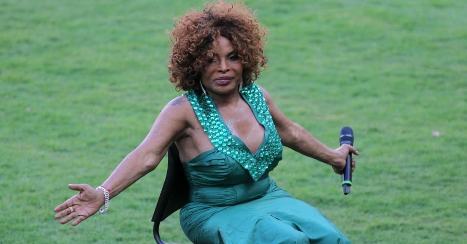 Elza Soares cantou na reinauguração do stádio Mané Garrincha