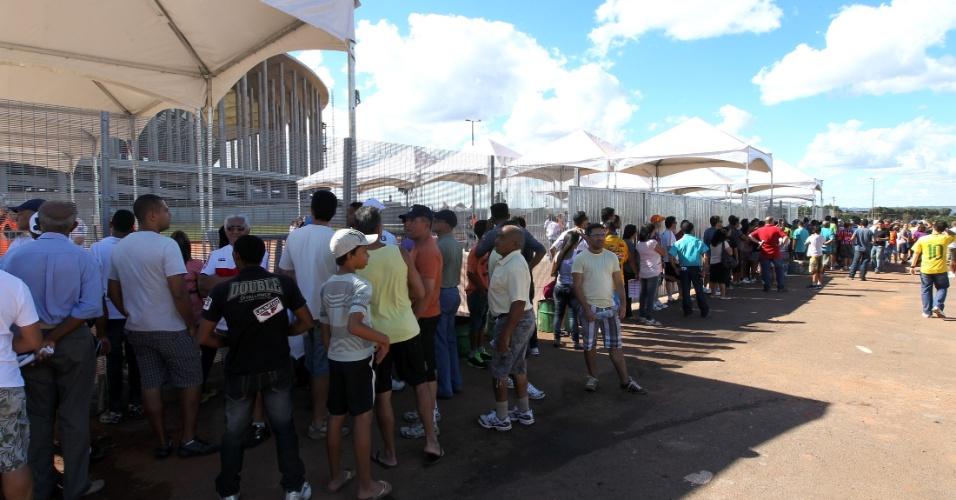 Longas filas se formaram antes da final do Candangão