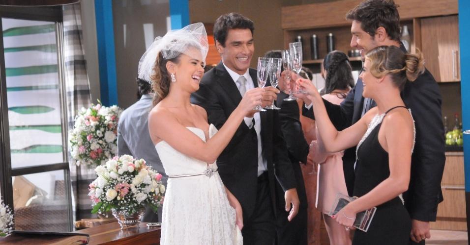 """Mai.2013 - Casamento de Vicente (Rafael Calomeni) e Mirela (Thais Pacholek) em """"Balacobaco"""""""
