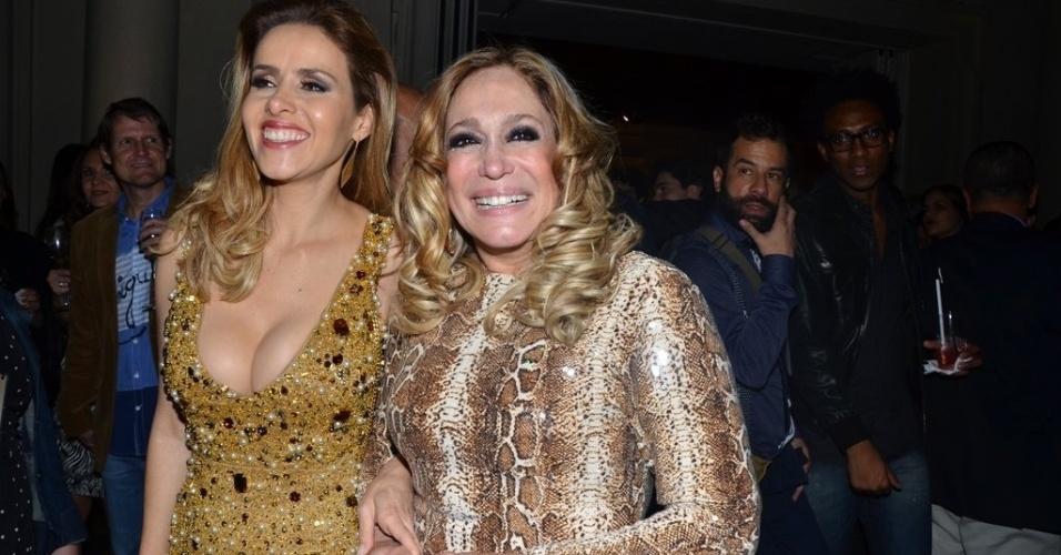 """18.mai.2013 - Leona Cavalli e Suana Vieira posam para fotos na festa de lançamento da novela """"Amor à Vida"""", em São Paulo"""