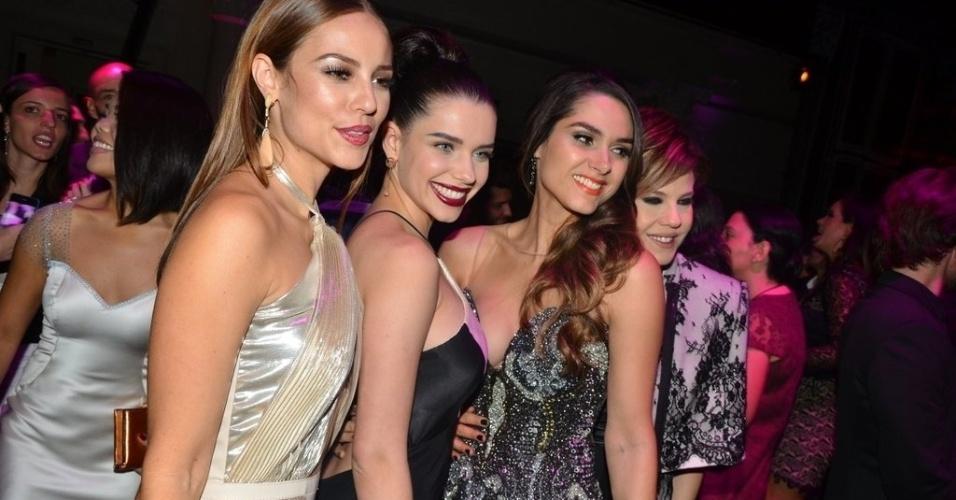 """18.mai.2013 - Paolla Oliveira, Bruna Linzmeyer e Fernanda Machado posam para fotos na festa de lançamento da novela """"Amor à Vida"""", em São Paulo"""