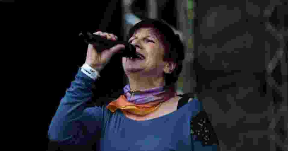 19.mai.2013 - Cantora Ana Bernardo interpreta sucessos de Paulo Vanzolini - Bruno Poletti/UOL