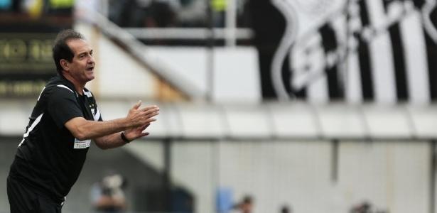 Muricy Ramalho evitou comentar demissão e se limitou a agradecimentos ao Santos