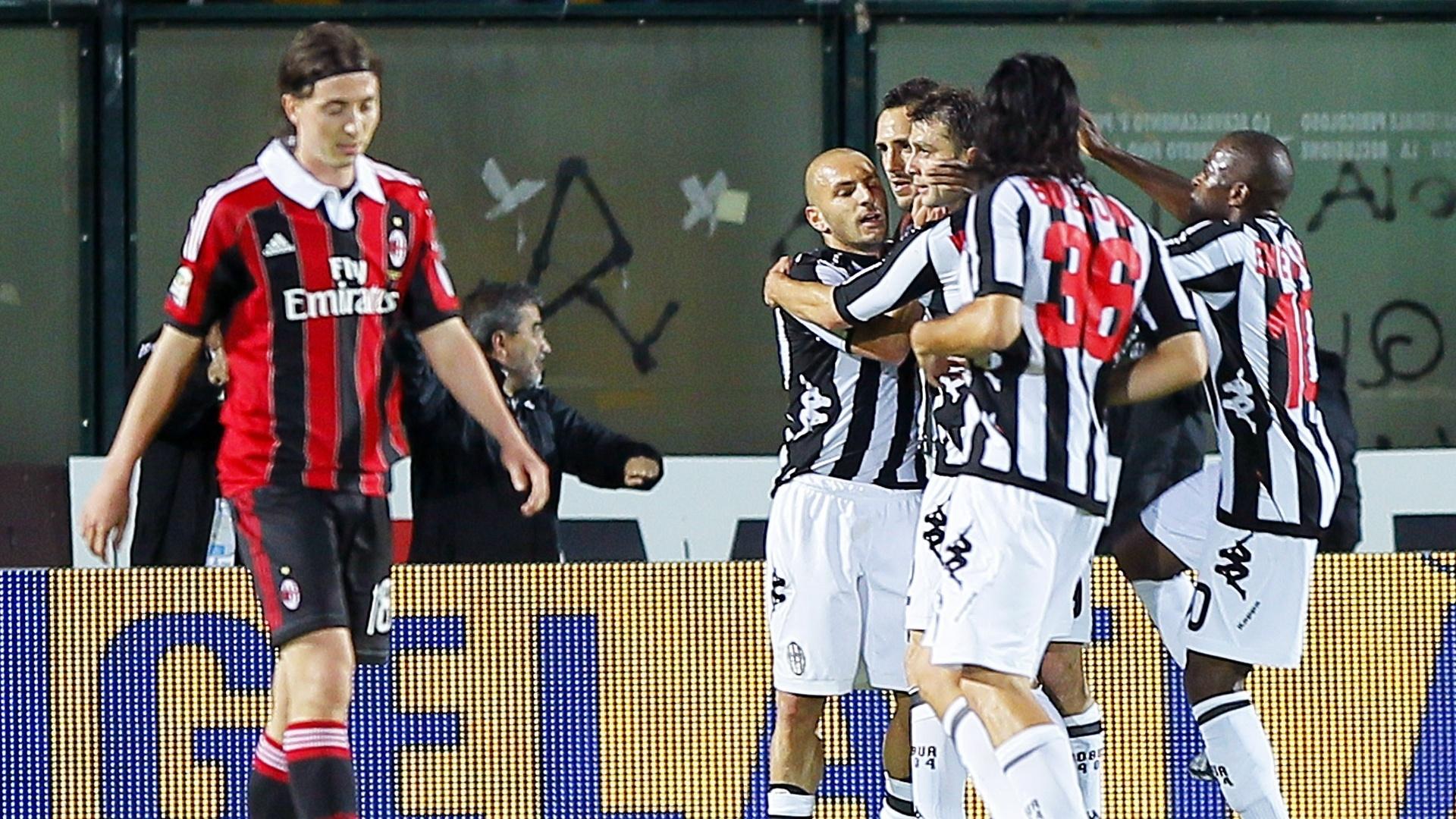 Siena abriu o placar contra o Milan aos 26 minutos do primeiro tempo