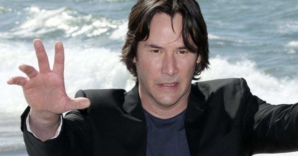 20.mai.2013 - Keanu Reeves vai a Cannes para mostrar trechos de seu primeiro filme como diretor,