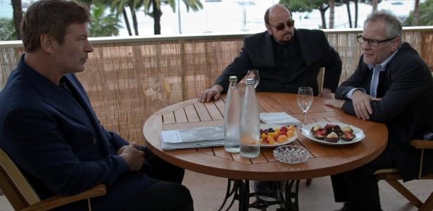 """Alec Baldwin em cena de """"Seduced and Abandoned"""", documentário exibido em Cannes em 2013 - Divulgação"""