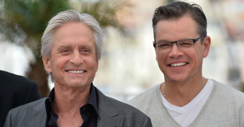 21.mai.2013 - Michael Douglas e Matt Damon divulgam