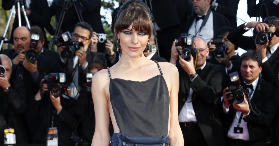 21.mai.2013 - Milla Jovovich chega para a exibição de