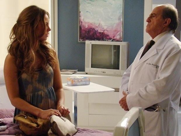 """Em """"Amor à Vida"""", médico diz para Paloma que provavelmente ela nunca mais irá engravidar"""