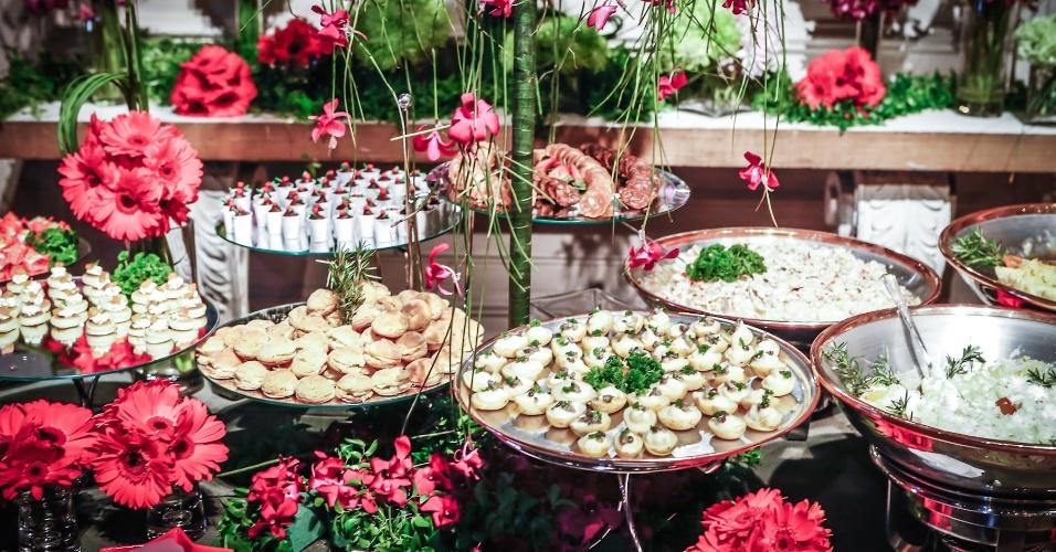 21.mai.2013 - Degustar 2013: mesa do Buffet Brilat Gourmet com decoração de Cecilia Seabra