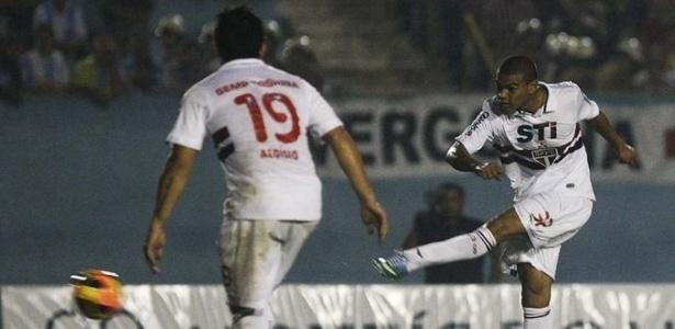 Caramelo (dir.) hoje é reserva de Bruno no time do São Paulo