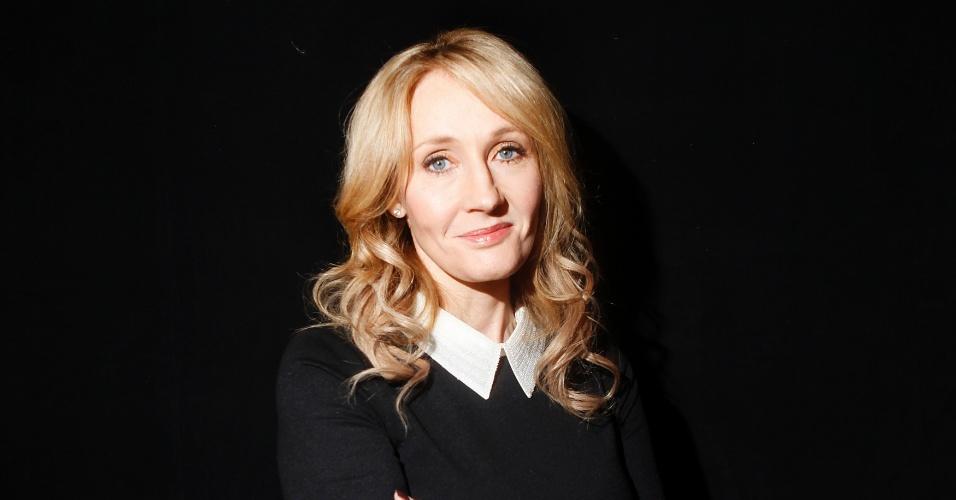 """22.mai.2013 - A escritora J. K. Rowling ocupa a 93ª posição do ranking anual das 100 mulheres mais poderosas do mundo, segundo a revista norte-americana """"Forbes"""". Em 2012, ela ocupava a 78ª posição"""