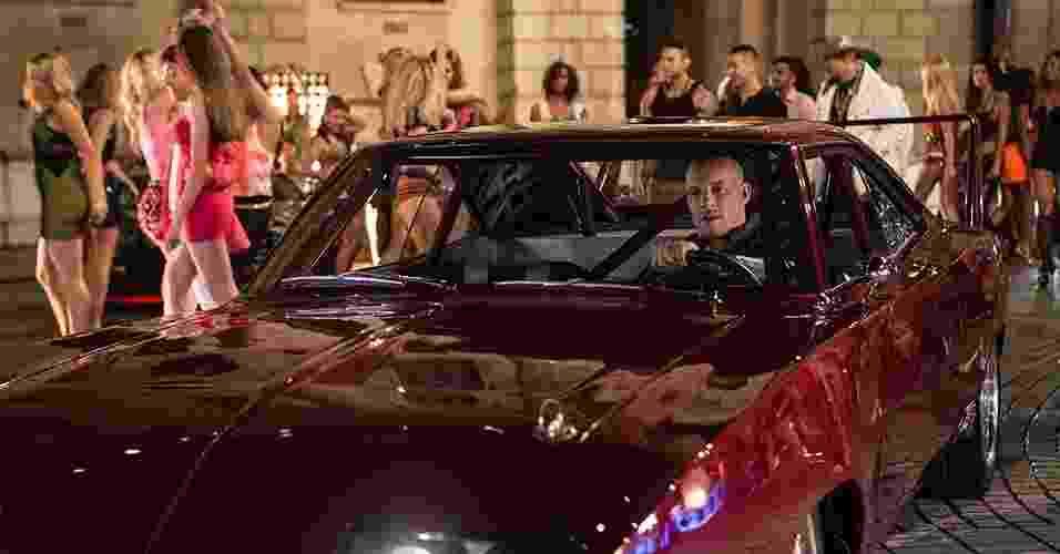 """Cena de """"Velozes e Furiosos 6"""", sequência da franquia sobre carros com direção de Justin Lee. O elenco conta mais uma vez com Paul Walker e Vin Diesel - Divulgação / Universal"""