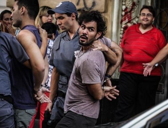 """Em """"Amor à Vida"""", Ninho é preso novamente"""
