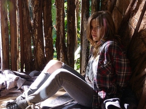 """Em """"Malhação"""", Lia tenta escapar do cativeiro"""