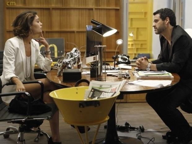 """Em """"Sangue Bom"""", interesseira, Amora decide ajudar Natan a conquistar Mauricio"""