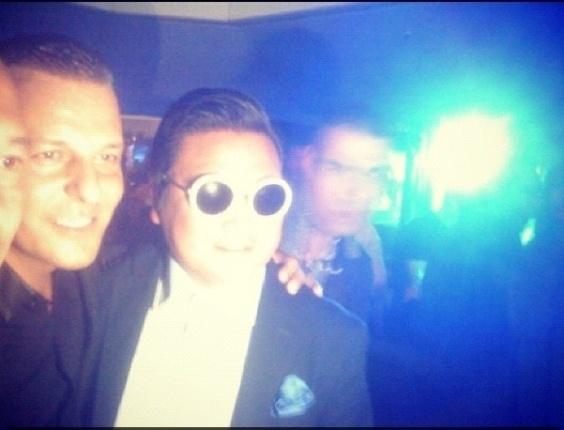 Homem que se passou por Psy foi flagrado em uma festa no Festival de Cannes 2013