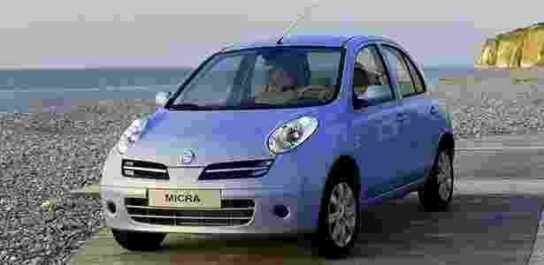 Nissan March de antiga geração, fabricado no Reino Unido e Japão entre 2002 e 2006, está envolvido - Divulgação