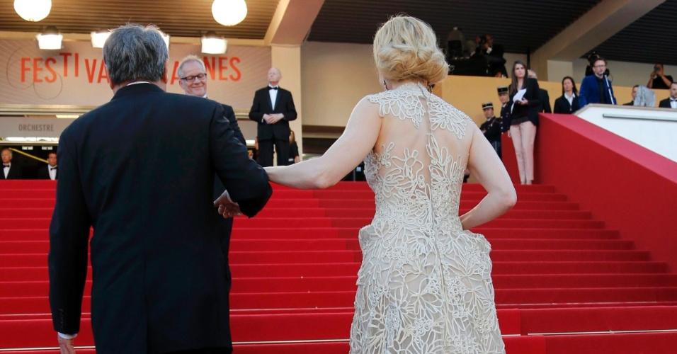 23.mai.2013 - Nicole Kidman e Ang Lee chegam para a exibição de
