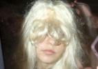 De peruca, atriz Amanda Bynes deixa a prisão após ser detida com droga - Grosby Group