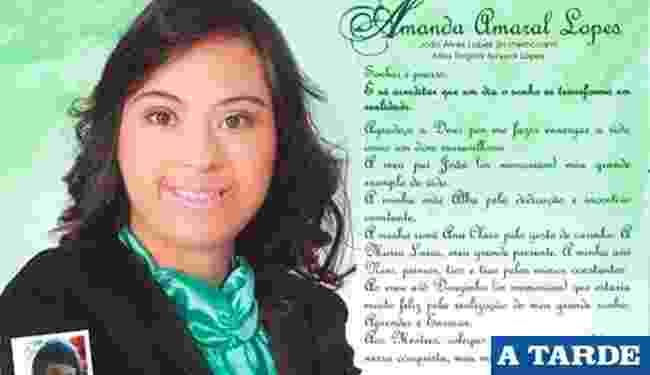 Apesar de ter síndrome de Down, Amanda Amaral Lopes se formou na faculdade em Vitória da Conquista (BA) - Reprodução/A tarde