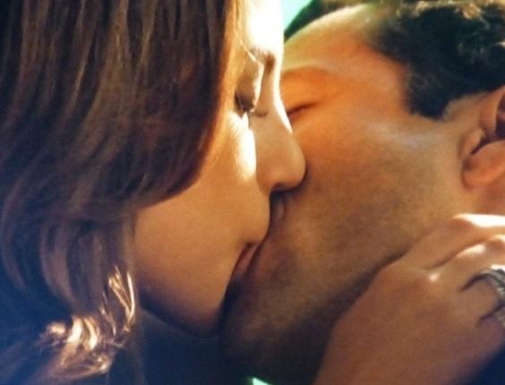 """Em """"Amor à Vida"""", Paloma e Bruno se beijam e fazem amor"""