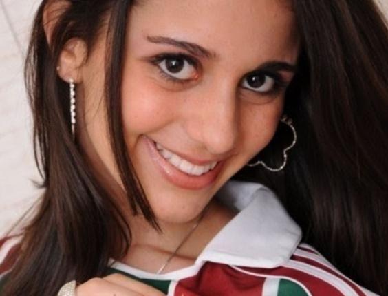 """A estudante Beatriz Pêgo Damasceno, 17, acertou todas as 60 questões da prova  e foi a primeira candidata a """"gabaritar"""" uma avaliação da instituição"""