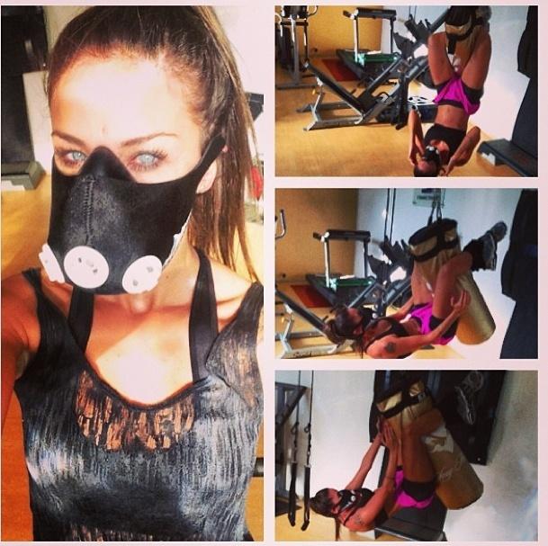 17.mai.2013 - Lizzi Benites usa máscara que simula altitude durante treino