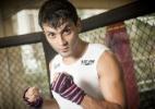 Ex-Fazenda segue dieta sem sódio para estreia no MMA - Rodrigo Capote/UOL. Agradecimentos: Academia Peralta Fitness e Fitness Model Agency