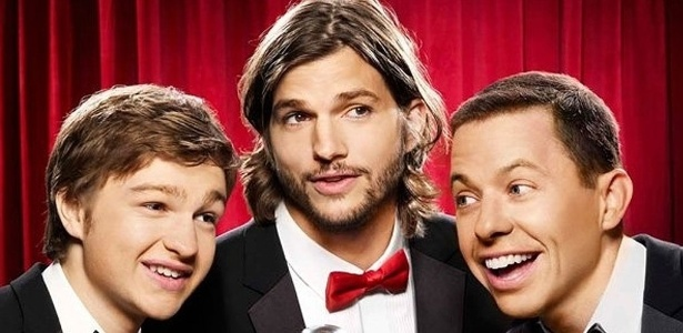 """Ashton Kutcher ganhou US$ 26 milhões com """"Two and a Half Men"""""""