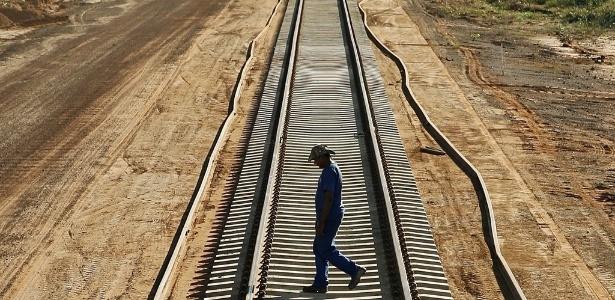 Ferrovia Norte-Sul liga o Maranhão a Goiás e é principal corredor ferroviário do país