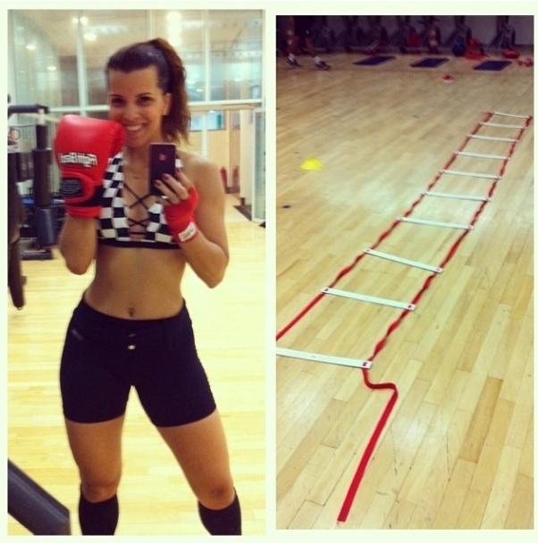 13.nov.2013 - A atriz e cantora Renata Santos aposta no treino de circuito seguido de muay thai para manter a forma