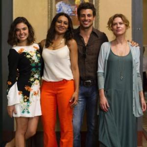 Celeste (Dira Paes), Isabel (Patricia Pillar) e Antônia (Isis Valverde) na minissérie Amores Roubados, da Globo