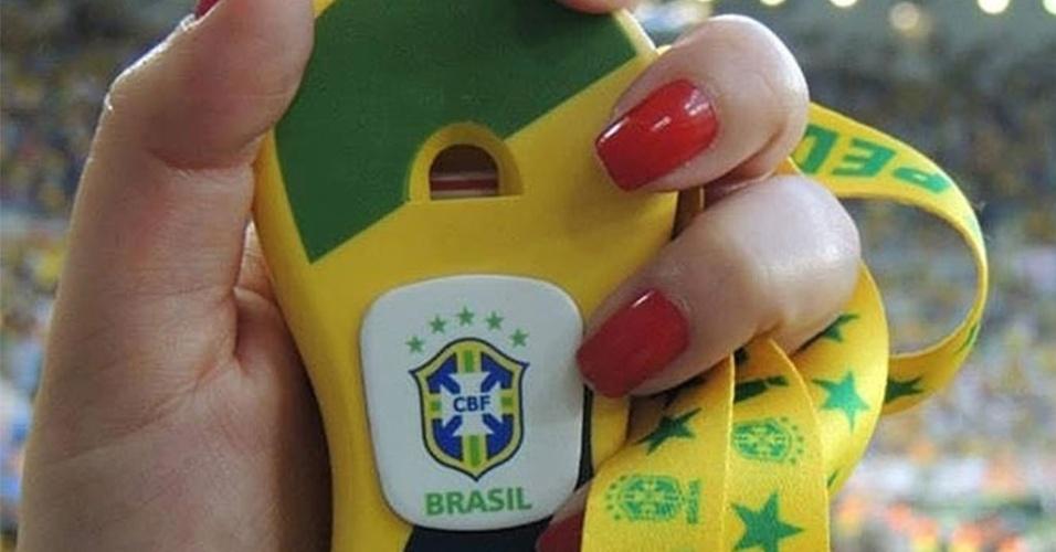 Pedhuá, a nova caxirola, é um apito candidato a se transformar na vuvuzela brasileira