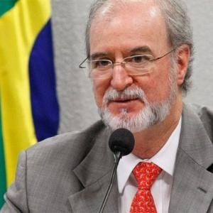 Eduardo Azeredo (PSDB), ex-senador e ex-governador, ligado ao mensalão mineiro